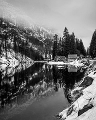 Dusk on Wenatchee River (Michael Berg Photo) Tags: michaelberg michaelbergphoto fuji fujifilm xpro2 fujinon 23mm 23mmf2 wenatchee river cascades stevenspass highway2 bw blackandwhite snow snowy mountains
