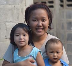 mother and children (the foreign photographer - ฝรั่งถ่) Tags: mother children boy girl khlong lard phrao portraits bangkhen bangkok thailand nikon d3200