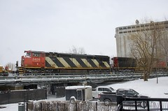 CN 2409 (Michael Berry Railfan) Tags: cn canadiannational cn149 train freighttrain intermodaltrain cn2652 cn2409 ge generalelectric oldport oldmontreal portofmontreal montreal winter snow dash9 dash944cw dash8 dash840cm