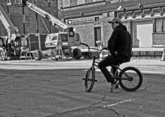 Biker (tacosnachosburritos) Tags: chicago fultonmarket district west loop thestreets streetphotography urban gritty biker slacker bmx hipster construction