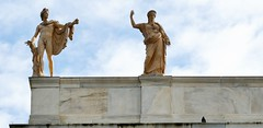 Statues sur le Museum National d'archéologie d'Athenes (JPH4674) Tags: architecture statue museum archéologie athenes grêce