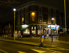 The Queen Victoria, Bermondsey (London Less Travelled) Tags: uk unitedkingdom britain england london city urban street southwark southlondon bermondsey night pub queenvictoria people road