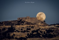 Superluna 19.02.2019 (franlaserna) Tags: spain naturephotography nature castle castillo nightphotography night big moon