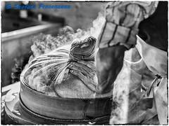 Visite de la fromagerie de Gruyères (Stefano Procenzano) Tags: gruyères fr svizzera ch cantonfribourg fromageriedegruyères nikon nikkor d750 nikond750 afsnikkor85mmf14g 85mm f14 85mmf14 blackandwhite noiretblanc biancoenero nb bw monochrome blackwhitephotos silverefexpro2 bwartaward 85mmf14g blackwhite dslr fx fmount