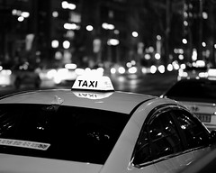 Taxi (RW Sinclair) Tags: green seoul korea gangnam fujifilm fujinon xt1 xf56mmf12r xf56 56mm bokeh bokehporn winter 2019 february