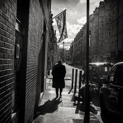 forever england (Daz Smith) Tags: dazsmith fujifilmxt3 xt3 fuji bath city streetphotography people candid portrait citylife thecity urban streets uk monochrome blancoynegro blackandwhite mono silhouette man london flag unionjack