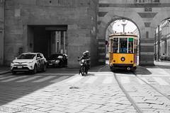 Auf die Plätze, fertig, los --- Ready, set, go (der Sekretär) Tags: auto fassade gleis gleise italien italy kopfsteinpflaster mailand milano motorrad pflastersteine schiene stein strasse strassenbahn strassenbahngleis strassenbahnschiene tor torbogen tram töff tür zweirad archway bike car cobbledsurface cobblestones door facade façade front gate motorcyle motorcycle pavingstones railtrack rails stone street streetcarrail tramline tramrail tramcarstreetcar trolley twowheeler