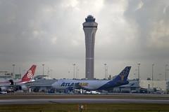 Atlas Air Boeing 747-47U(F) (N409MC) © (CAUT) Tags: aviation aviacion aircraftspotting planespotting spotting spotter avion aircraft airplane plane flugzeug aeropuerto airport caut 2019 nikon d610 usa kolumbien