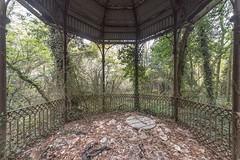 (Kollaps3n) Tags: abandoned decay urbex abandonedplaces natura nikon italy urbanexploration abbandono luoghiabbandonati