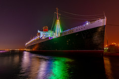 Christmas at the Queen Mary (SCSQ4) Tags: california christmas christmaslights christmastree downtownlongbeach favorite favoritepicture longbeach longexposure night nightphotography queenmary reflection