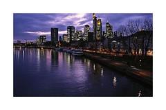 Frankfurt am Main (PnBo) Tags: frankfurtammain francfort deutschland germany allemagne sigma sigmasdquattro sigmaprophoto sigma1835 hiver ville skyline city downtown crépuscule sunset rhin