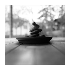 Thoughtful stones (Wilco1954) Tags: square mono thoughtful stones leicaq