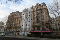 Boulevard Ornano - Paris (France) (Meteorry) Tags: europe france idf îledefrance paris boulevardornano ruechampionnet facade façade city urban building immeuble morning matin street rue december 2018 meteorry