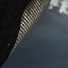 elusive (zecaruso) Tags: bcn barcelona frankgehry elpeixdor pescedoro portolimpic sculpture scultura achitettura architecture sky cielo nikond300 zecaruso zeca ze ze² zequadro cicciocaruso explore