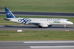 Alitalia Cityliner ERJ-190STD EI-RND (wapo84) Tags: bru ebbr alitalia eirnd cityliner skyteam erj190
