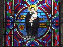 Beaugency (45) : vitrail des Béatitudes, saint Vincent de Paul (odile.cognard.guinot) Tags: 1946 pierreandrélouis vitrail saintvincentdepaul beaugency loiret 45 églisenotredame centre centrevaldeloire quelestcelieu