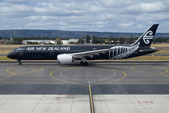 Air New Zealand B789 ZK-NZE (Anthony Kernich Photo) Tags: airnewzealand anz boeing boeing787 boeing7879 dreamliner b789 airplane aircraft airplanepicture airplanephotograph airplanephoto adelaide adelaideairport plane aviation jet olympusem10 olympus olympusomd commercialaviation planespotting planespot aeroplane flight flying airline airliner kadl kpad adl airport raw ypad livery star 787 7879 widebody zknze