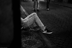 Lissabon Gente de Lisboa 48 bw (rainerneumann831) Tags: bw blackwhite street streetscene ©rainerneumann urban monochrome candid city streetphotography blackandwhite mann gentedelisboa lisboa lissabon