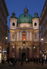 Vor der Peterskirche in Wien (Wolfgang Bazer) Tags: peterskirche barockkirche barock baroque church kirche wien vienna österreich austria