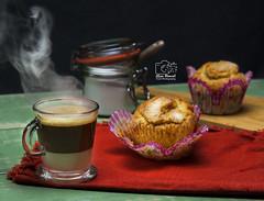 _DSC9400 (alianmanuel fotografia) Tags: cortado cafe cafecaliente cafeconleche cupcake snack merienda hotcoffee hot photofood photographyfood foodphotography fotografiaculinaria food