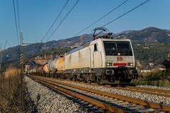 E189 822 DB CARGO ITALIA - CAMAIORE (LU) (Giovanni Grasso 71) Tags: e189 822 db cargo italia camaiore lu nikon d610 giovanni grasso es64f4 br189 siemens lucca viareggio scarlino rho