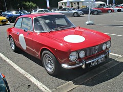 29 Alfa Romeo 2000 GT Veloce (2000 GTV) (1974) (robertknight16) Tags: alfaromeo italy italian giulia 12000gtv veloce 2000gt autosport silverstoneclassic aab52m 1970s