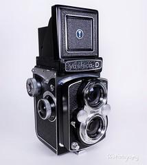 1965 - Yashica D (http://www.yashicasailorboy.com) Tags: yashica yashicad 120film 6x6cm film japan camera tlr 1965 twinlens mediumformat