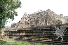 Angkor_Phimeanakas_2014_12