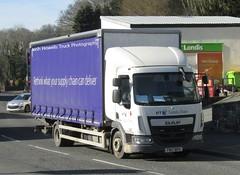 BT FN17 BPU at Llanfair Caereinion (Joshhowells27) Tags: lorry bt fn17bpu daf lf daflf curtainsider