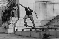Rafael Braga. (BIANO SKATE STYLE.) Tags: museudoipiranga museu skatenomuseu ipiranga ladeiradoipiranga quintaldoipiranga skate skateboard skatestreet skatebrasil skatepunk skaterock skatebording skatefotografia skatepraia skatesp skatelife crooked crookedgrind bscrookedgrind pb pburbano fotopb photography photo photobw bnw streetphotobnw bw fotobw streetphotobw streetphotography streetfotography streetfotografia streetphotobrasil street streetskate 50mm monocromatico olharurbano olharesdesampa olharesdesp spdagaroa