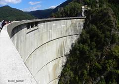 Vidraru Dam in Fagaras Mountains, Romania (cod_gabriel) Tags: vidraru barajulvidraru vidrarudam făgăraş fagaras transfăgărăşan transfagarasan baraj dam carpazi carpathians carpaţi carpati