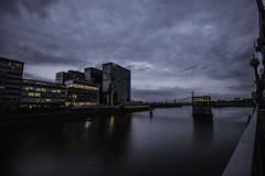 Düsseldorf0141Zollhafen (schulzharri) Tags: düsseldorf nrw deutschland germany europa europe architektur architecture glas modern haus building himmel gebäude wasser fluss stadt