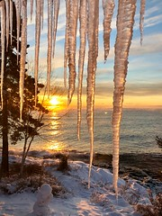 Icicles and sunrise on New Years Day 2019 over the North Shore of Lake Superior in Northern Minnesota (thstrand) Tags: water seasonalweather seasons season american earlymorning mn minnesota chilly cold vacation travel touristdestination tourism arrowheadregion cookcounty northamerica unitedstates usa us greatlakes winter january sunrise lakesuperior northshore newyearsday freezingcold ice icicle icicles