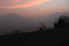 Una sera azzurra (Alberto Cameroni) Tags: lecco cereda lombardia tramonto sera montebarro caligine poesia esenin leica leicaxtyp113