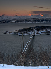 The Hålogaland Bridge (ralfkai41) Tags: schnee norwegen sunrise brücke wasser lofoten berge snow norway hålogalandbrücke rombaksfjorden water lofotenislands fjörd sonnenaufgang hålogalandbridge bridge winter mounzains narvik dämmerung dawn