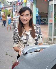 pretty woman (the foreign photographer - ฝรั่งถ่) Tags: pretty woman car khlong thanon portraits bangkhen bangkok thailand nikon d3200