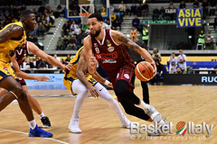 FIAT AUXILIUM TORINO VS REYER UMANA VENEZIA / LEGA BASKET SERIE A (BasketItaly.it) Tags: action actions arena auxilium auxiliumtorinoumanavenezia azione basket basketball canestro fabiopetrosino fiat fiatauxiliumtorinovsreyerumanavenezi fiattorino fiattorinoreyervenezia fip foto fotogiornalismo gara giocatori giornalismo italianbasket italy lba legabasket match news notizie notiziesportive palasport palavela palazzetto pallacanestro partita photography photojournalism photojournalist player players reyerumana reyerumanavenezia reyervenezia seriea sport sportaction sportnews sportphoto sportphotography sports turin venezia