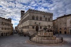 Perugia (Roberto Marinoni) Tags: perugia umbria bellitalia piazza square piazzaivnovembre palazzodeipriori fontanamaggiore corsovannucci