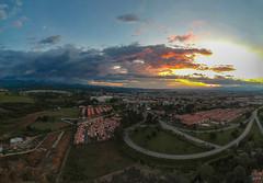 Atardecer 1 (José M. Arboleda) Tags: panorama atardecer puestadelsol arrebol ocaso cielo nube paisaje árbol bosque ciudad carretera popayán colombia minidrone drone dji spark josémarboledac