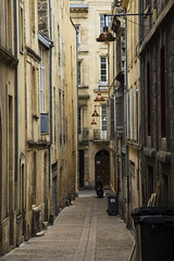 Bordeaux_rue_1 (mperezq) Tags: bordeaux france frança urbanscape urban rue place square street ville city building canon 6d canon6d fullframe ff