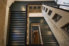 Square (Elbmaedchen) Tags: treppenhaus treppe stairwell staircase eckig interior roundandround upanddownstairs hochschule hamburg campus berlinertor