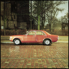 Ford Consul (Konrad Winkler) Tags: berlin strase kirche kopfsteinpflaster oldtimer auto fordconsul nacht langzeitbelichtung kodakportra160 hasselblad503cx mittelformat 6x6 120 epsonv800
