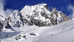 praterie (art & mountains) Tags: alpi alps confine hiking skialp esc esp cime creste granito roccia pizzi frizzi natura silenzio contemplazione condivisione spazio linea superficie vision dream spirit