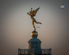 AIR GÉNIE (apparencephotos) Tags: génie airfrance plane rooftop bastille placedelabastille paris france