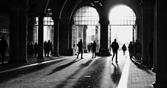 The Passage (Hans Veuger) Tags: nederland thenetherlands amsterdam rijksmuseum museum passage zwwt bw tegenlicht backlight nikon b700 coolpix nederlandvandaag twop monochrome museumstraat