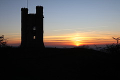Broadway Tower Sunset (davva73) Tags: broadwaytower cotswolds worcestershire canon canoneos silhouette sunset architecture uk greatbritain folly landscape sky