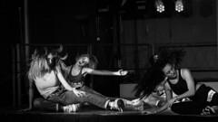 Challenge de danse (cassandredahoui) Tags: danse monochrome nb mouvements studio streetdanse streetdansegirly girl blankandwhite hair hairstyle