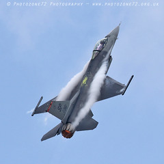 6213 US F16 (photozone72) Tags: farnborough fias f16 usaf aviation aircraft airshows airshow canon canon7dmk2 canon100400f4556lii 7dmk2
