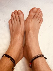 IMG_9109 (chrisftlvr) Tags: feet foot malefeet malefoot feetsoles boyfeet boyfoot malefootfetish cleanfeet guyfeet guyfoot guysoles gayfeet malefeetfetish piesmasculinos mostbeautifulfeet