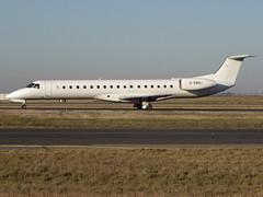 G-EMBJ, Embraer ERJ-145EU, c/n 145134, All White (BMI Regional), CDG/LFPG 2019-02-15, taxiway Bravo-Loop. Now with Loganair as G-SAJH. (alaindurandpatrick) Tags: 145134 gembj erj erj145 embraererj145 embraer embraerregionaljet jetliners airliners bm bmr bmiregional midland airlines cdg lfpg parisroissycdg airports aviationphotography